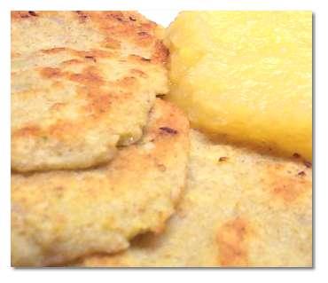 Kartoffelpfannkuchen/Kartoffelpuffer mit Apfelbrei