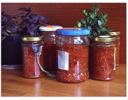 Tomatensauce, herbstlich konserviert und selbstgemacht