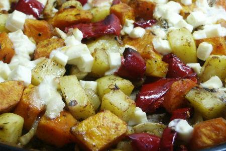 Kürbis mit Kartofffel und Käse aus dem Backofen