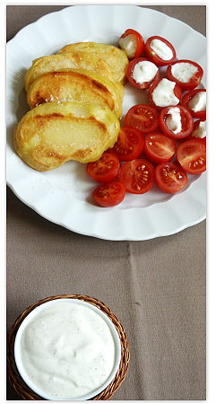 Bratkartoffeln, Frischkäsesauce