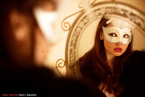 Der Blick in den Spiegel - die Frage nach der eigenen Schönheit?