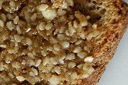 Walnuss-Sesam-Honig-Brotaufstrich, vegetarisccch