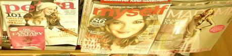 Frauenzeitschriften erklären der Frau ihre Rolle
