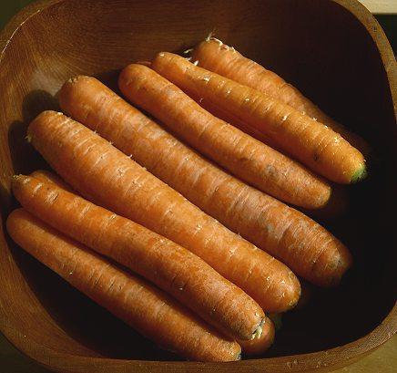 Möhren/Karotten in Schüssel