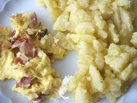 Kartoffelsalat mit Rührei